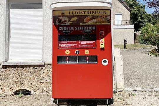 machine à pain et croissants